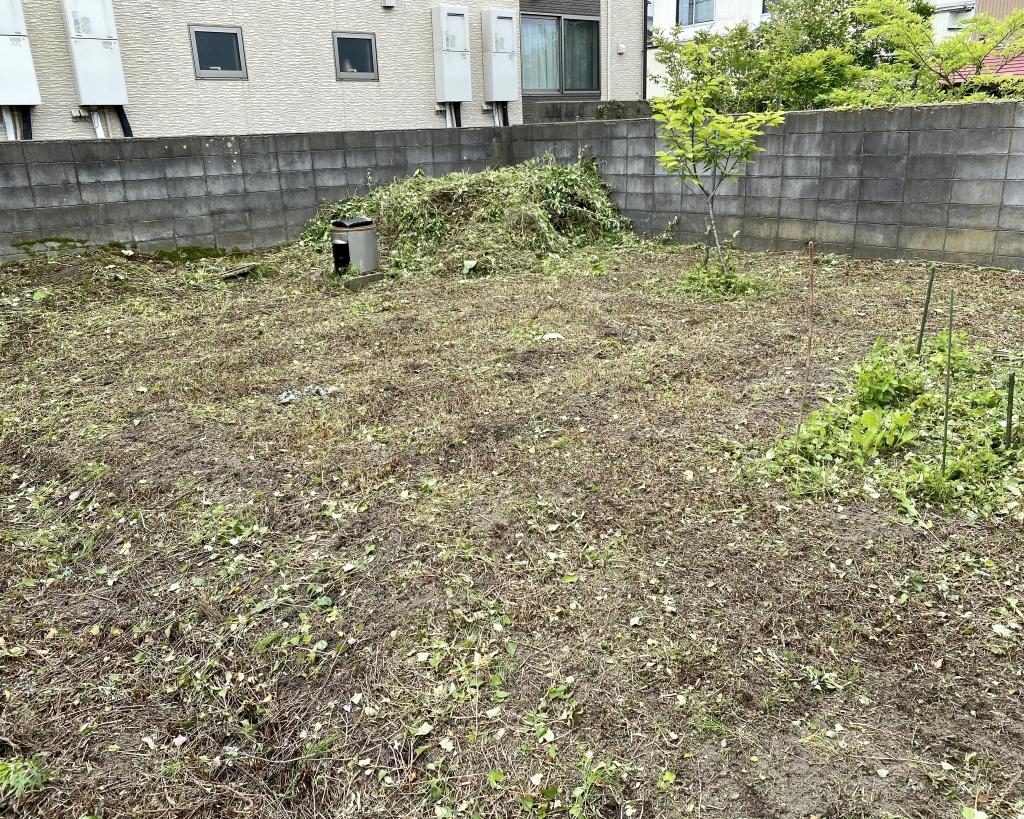 秋田草刈り作業!由利本荘市お庭の草刈り